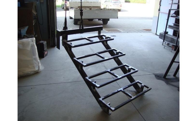 gradini scala acciaio