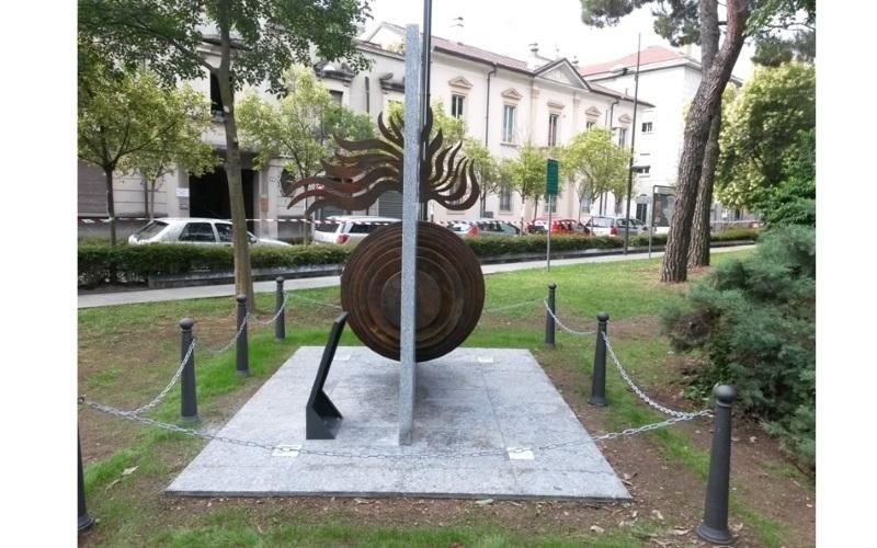 monumento ferro battuto