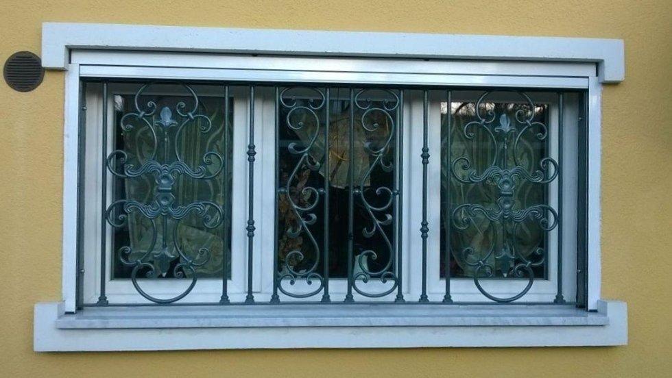 Cancellate e inferriate ferro marnate va creatifer - Grate alle finestre ...