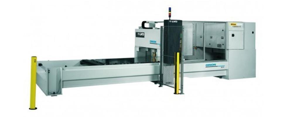 macchina taglio a laser