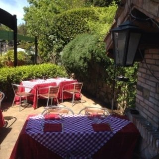 Il casaletto, ristorante con giardino