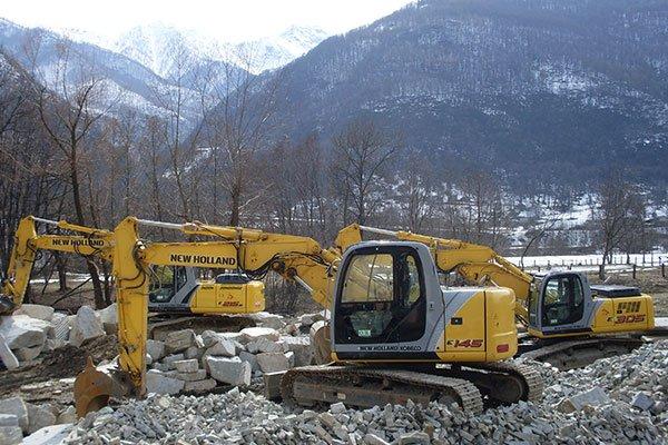 Specializzata nella costruzione e ristrutturazione di muri di confine e da scogliera