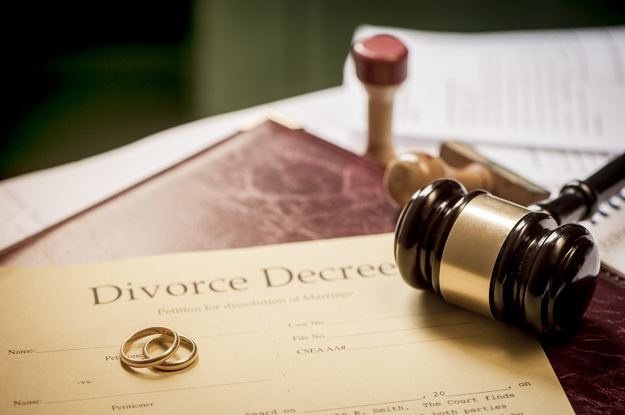 Selling your home during your divorce what you need to know solutioingenieria Image collections