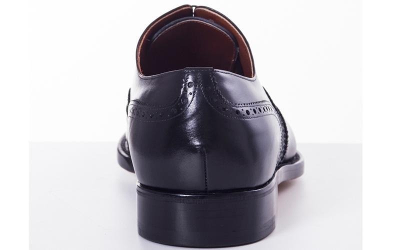 модель черных оксфордов модена