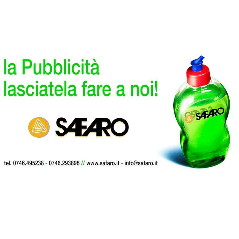 pubblicità con bottiglia di detersivo