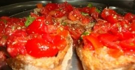 bruschette, pomodorini, antipasti