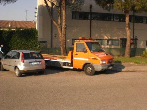 Soccorso stradale diurno Ferrara