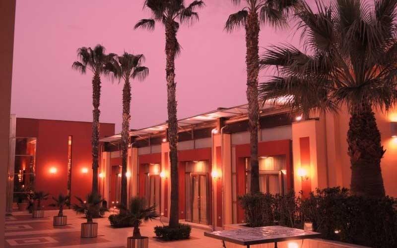 giardino ristorante con palme