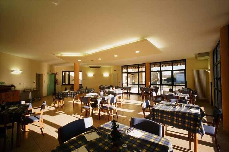 Sala ristorante Casa di Riposo La Divina Misericordia Onlus