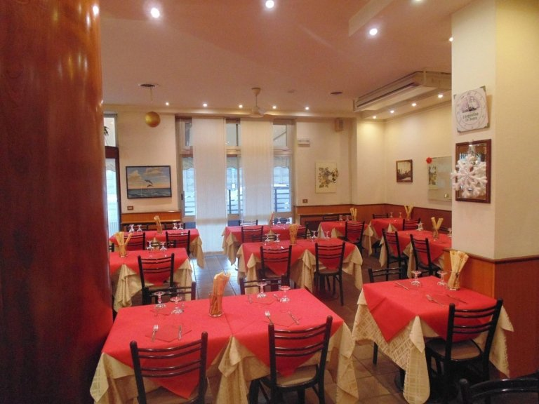 Sala ristorante pizzeria