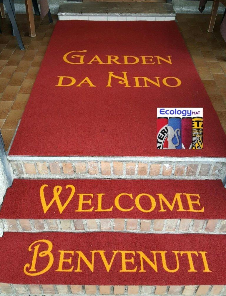 tappeto rosso benvenuti