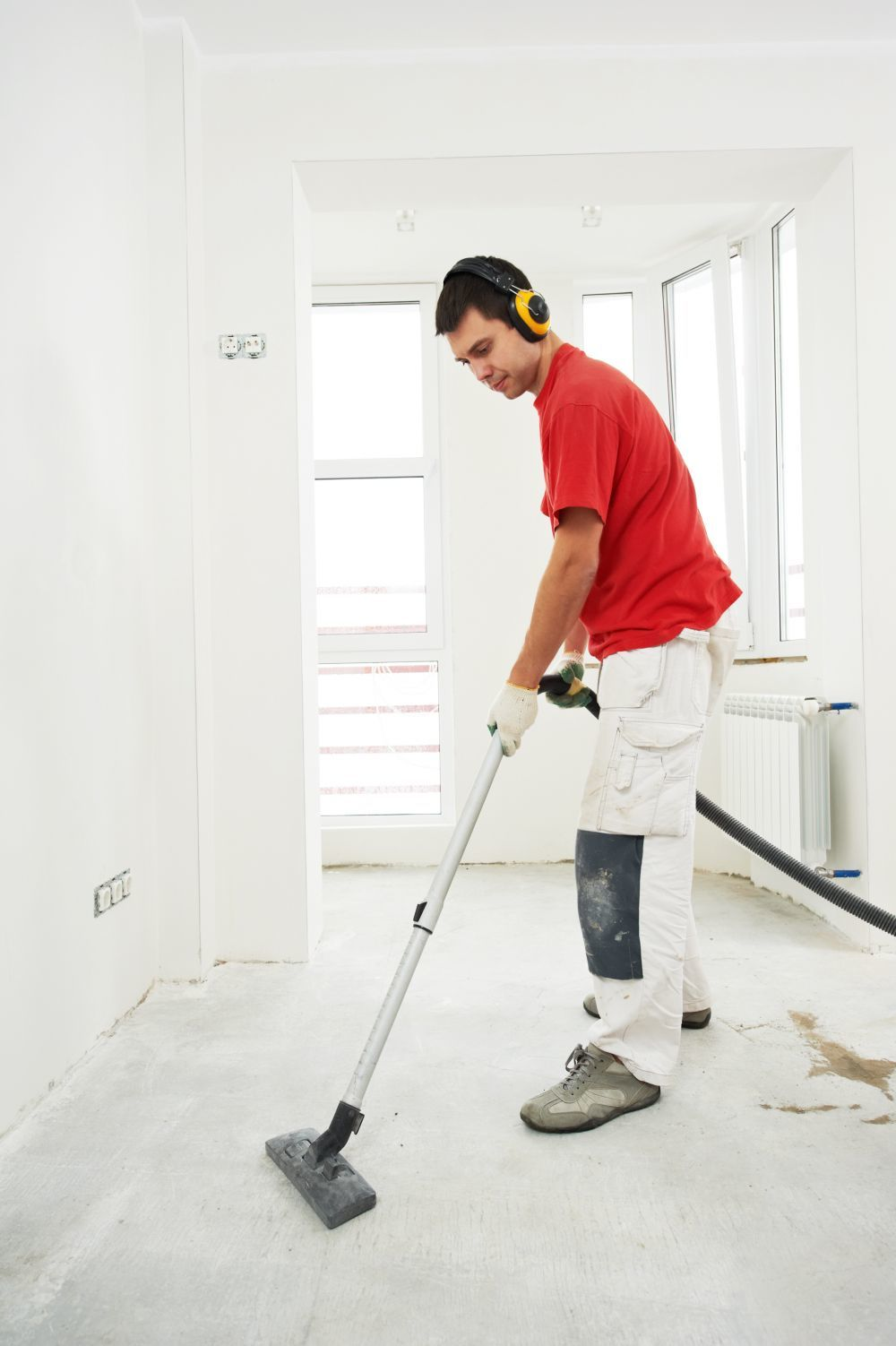 Commercial cleaning services in Tauranga performing a builders clean