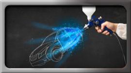 pistola per verniciatura, auto disegnata su lavagna, mano del carrozziere