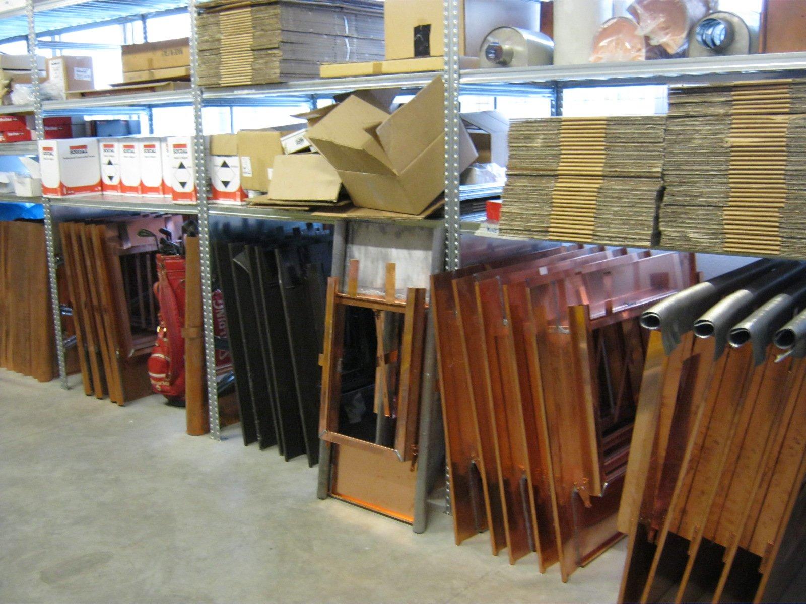 fornitura di grondaie in magazzino da esposizione 3