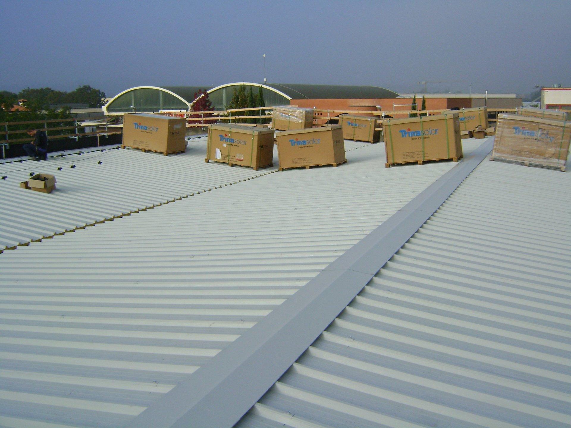 esempio di tettoia con struttura in lamiera 17