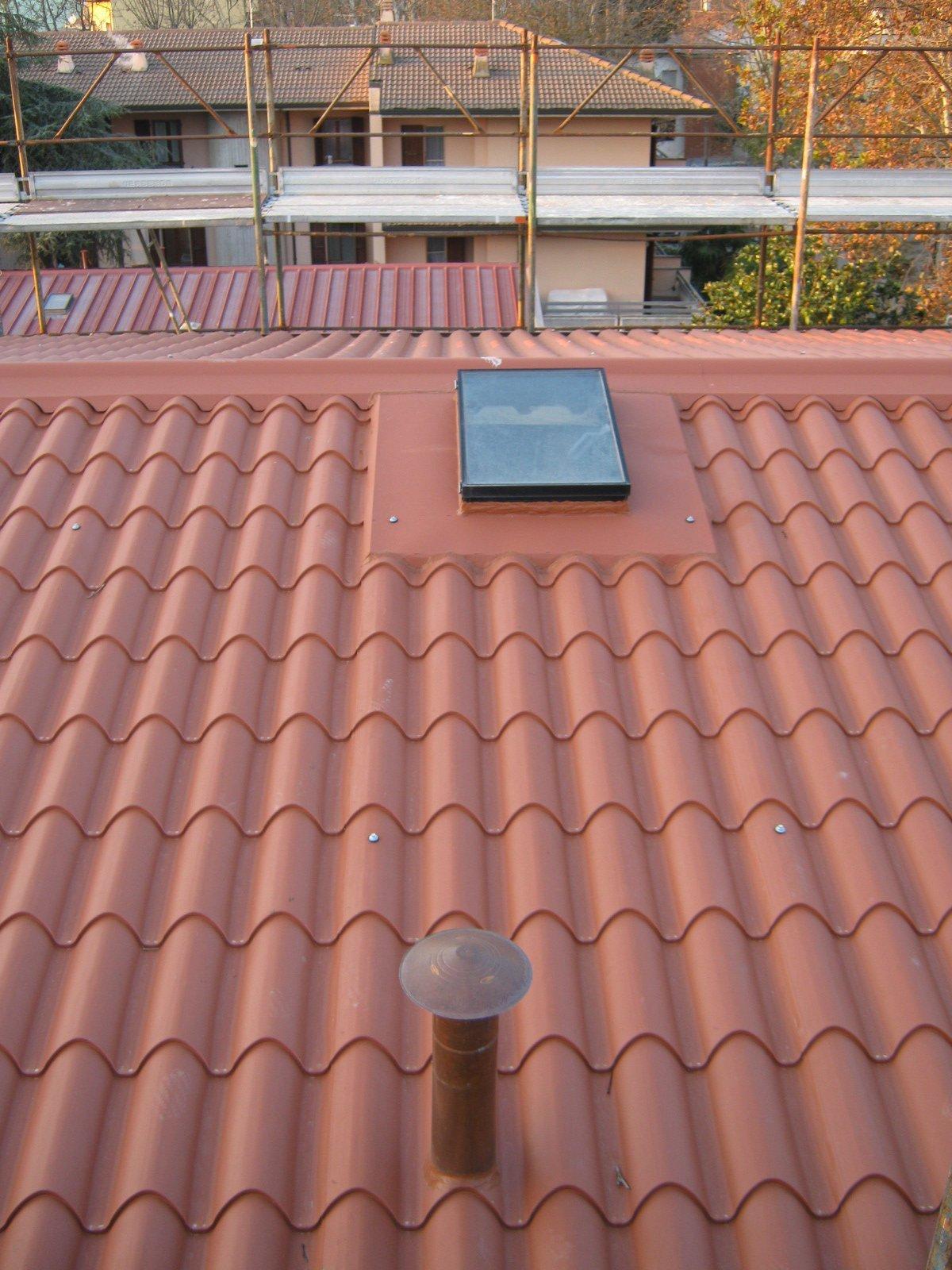 esempio di tettoia con struttura in lamiera 19