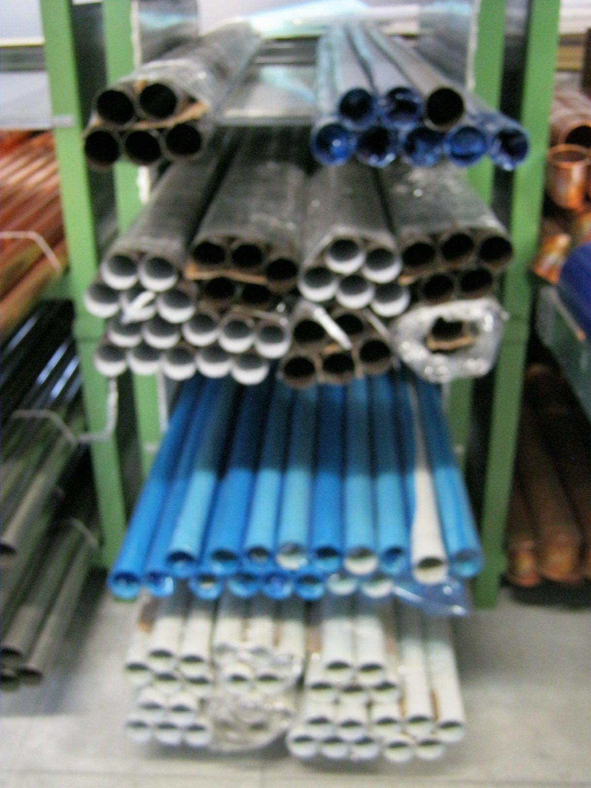 fornitura di grondaie in magazzino da esposizione 26