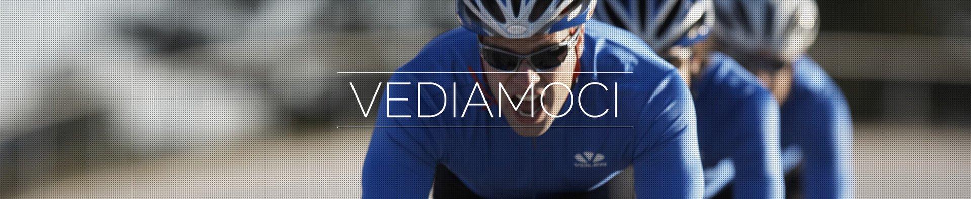 Ciclisti con occhiali da sole