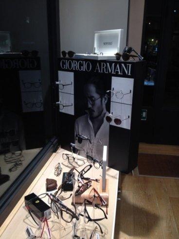 esposizione occhiali Giorgio Armani