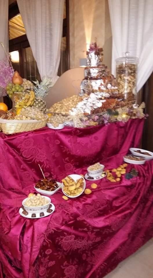 Piccolo buffet di paste salate e frutta a guscio