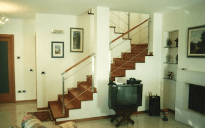 scale rivestite in legno