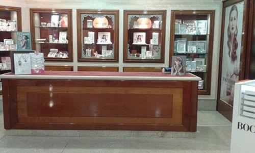 banco di  esposizione gioielli
