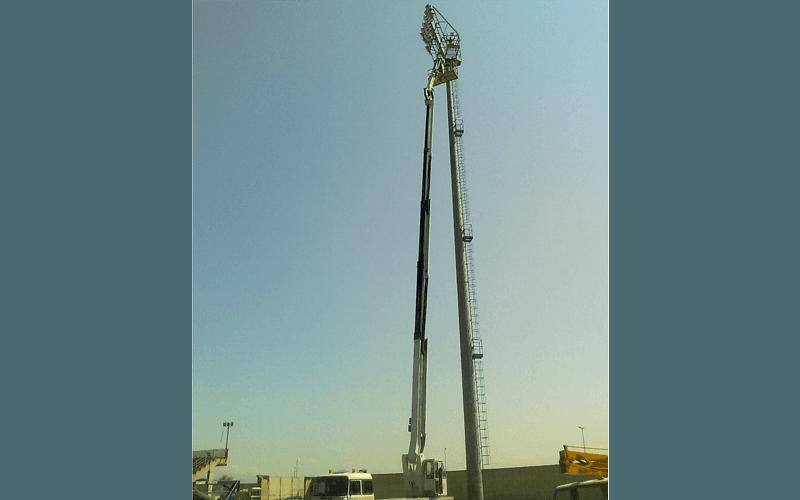 Lavori manutenzione impianto illuminazione parcheggio