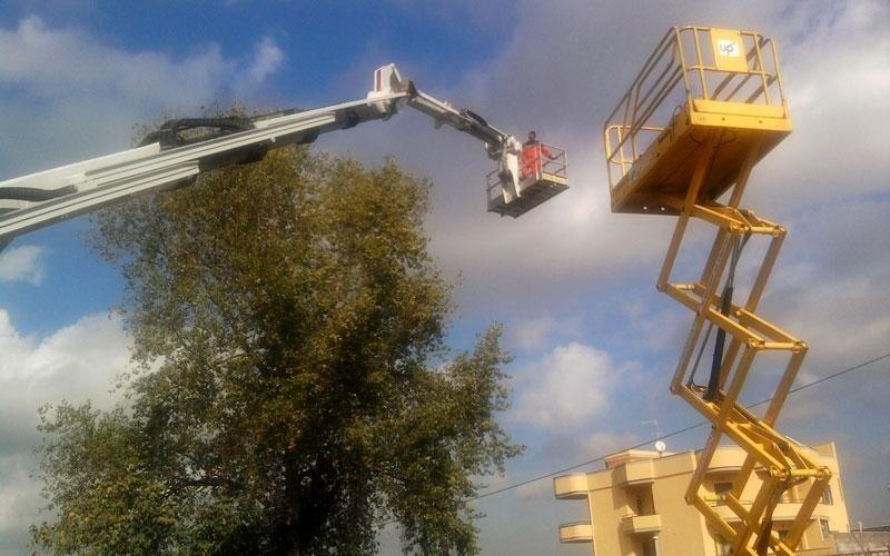 Noleggio piattaforma elevatrice a pantografo