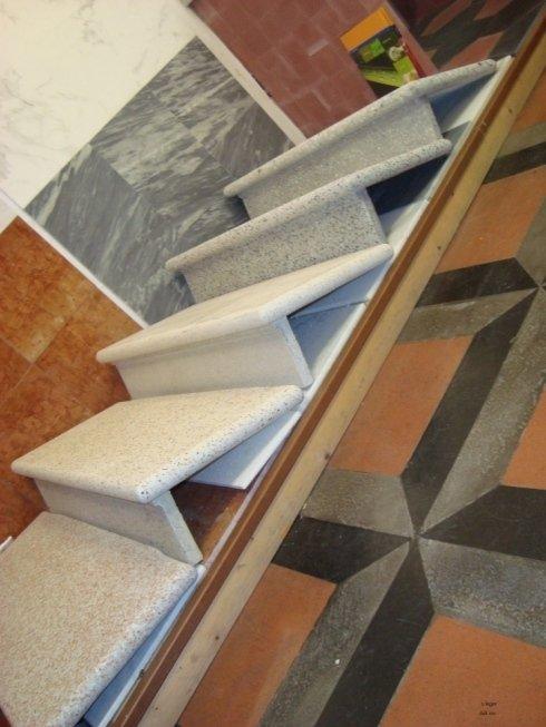 scale in graniglia, top da cucina, rivestimenti in marmo