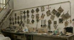 materiali e manufatti per l'edilizia, mensole, piastrelle di ceramica, piastrelle di fibrocemento
