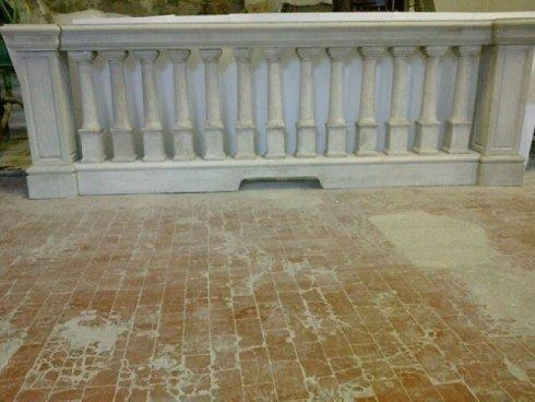 balaustra s/economica con pilastro, cornicioni case importanti, pezzi di pregio