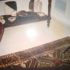 pavimento centrale antico, colore su piastrelle