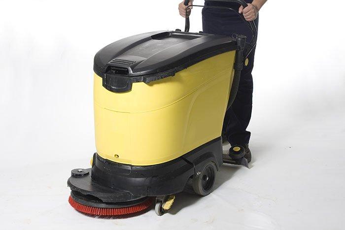 Noleggio macchine per la pulizia, spazzatrici, idropulitrici