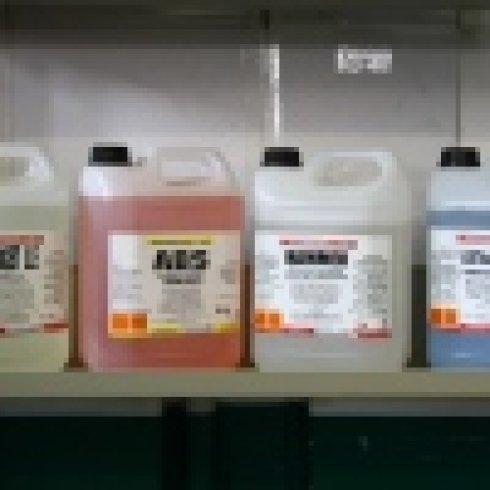 Detergenti per bagno, disinfettanti, lavamani
