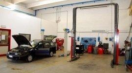 sostituzione parabrezza, lavaggio interni auto, diagnosi auto