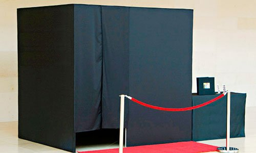 Enclosed Photo Booths in New York and New Jersey