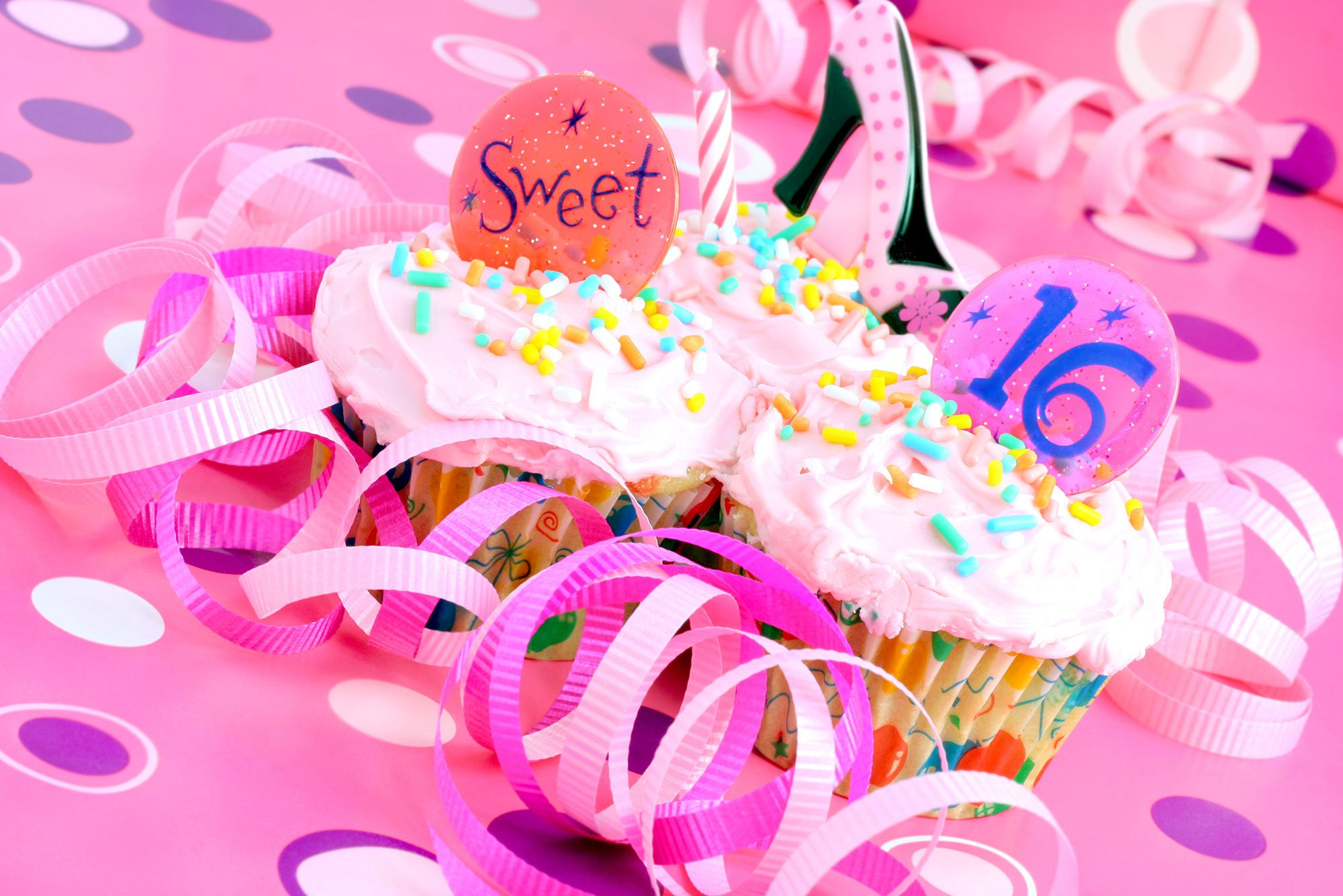 Sweet 16 party cupcakes