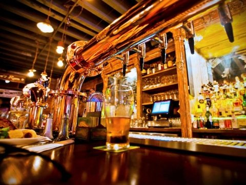Arredo pub e birreria ferrara a m a p arredamenti srl for Arredamenti per birrerie
