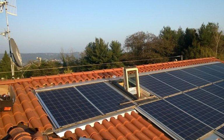 linea vita su tetto con fotovoltaico