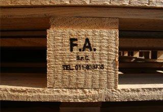 casse pieghevoli, pallet per imballaggio, gabbie di legno