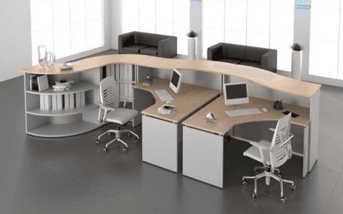 scrivania legno chiaro