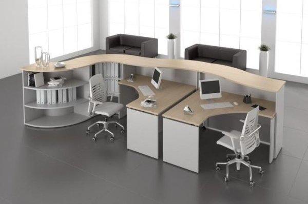 scrivania beige ufficio