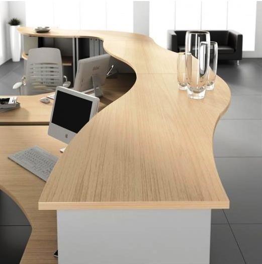 scrivania legno beige