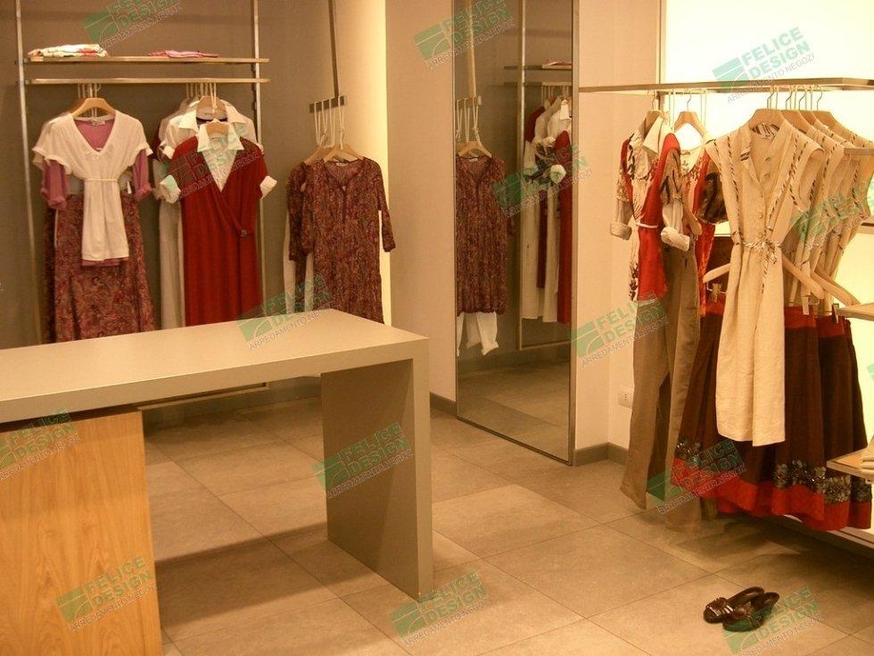 Abbigliamento Persona, arredi per negozi di abbigliamento