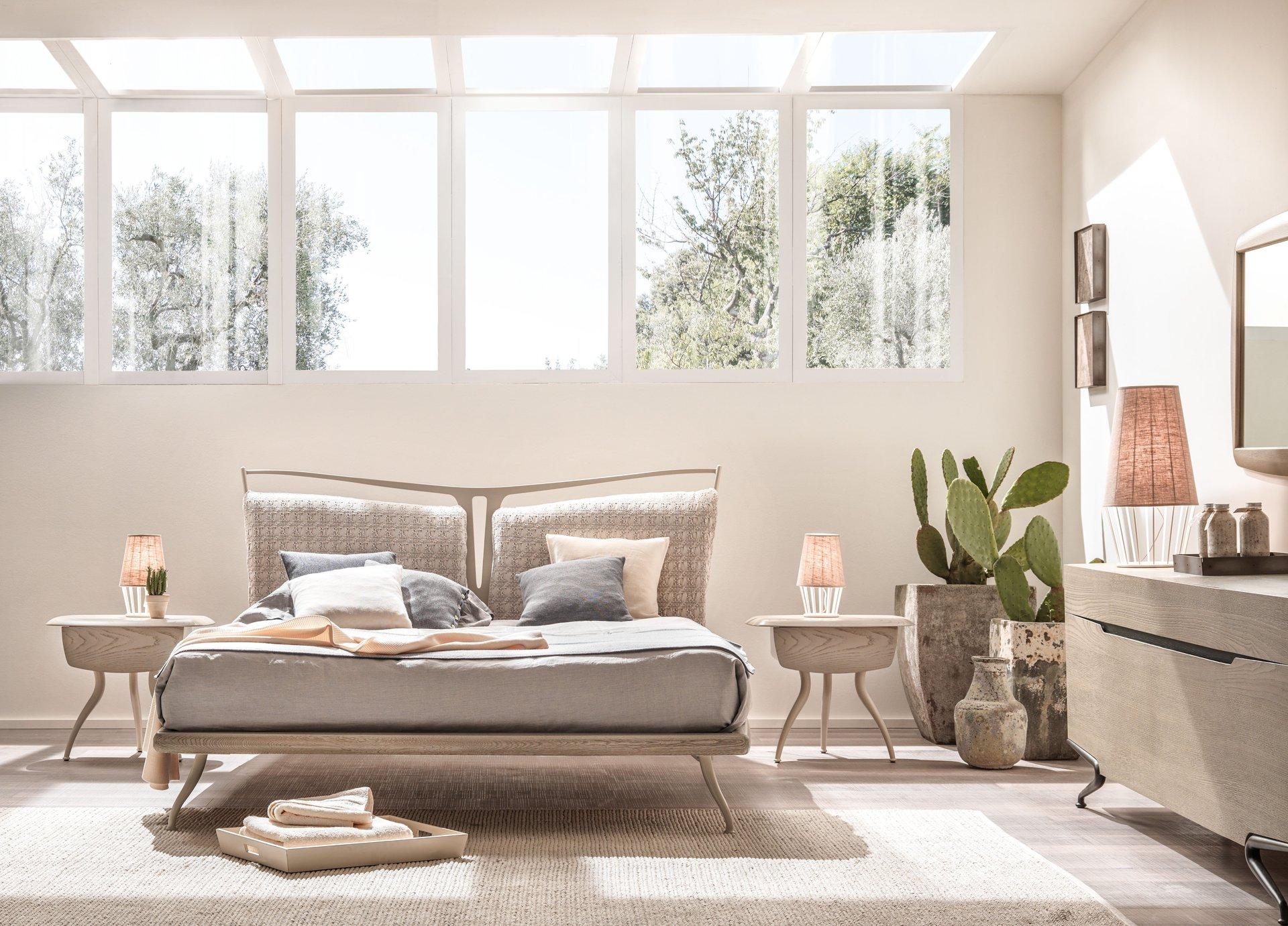 camera da letto con porta finestra scorrevole