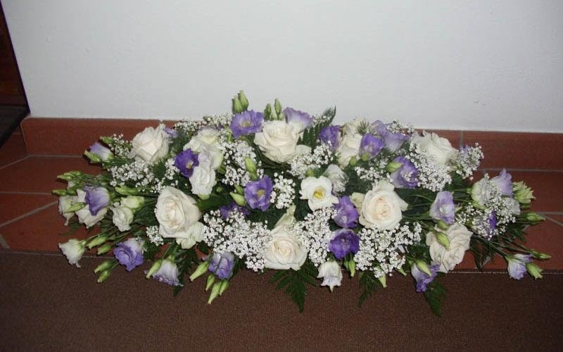 composizione floreale per lunotto