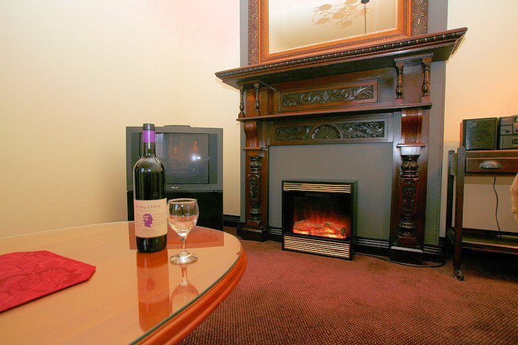 Heritage Spa Suite with fireplace