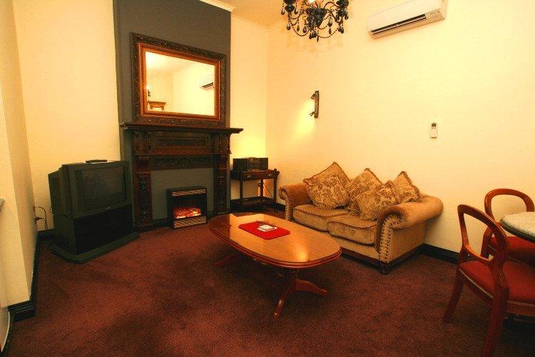 Heritage Spa Suite comforts