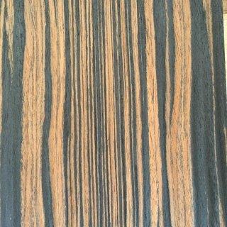 tranciato in legno chiaro-scuro