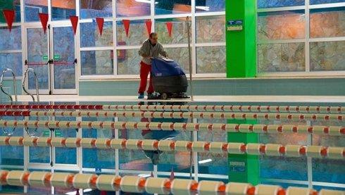 lavaggio vasche di piscina, sanificazione piscine, pulizia filtri